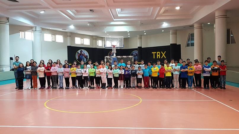 اردو کلیپ خردسال زمین ورزش درکه