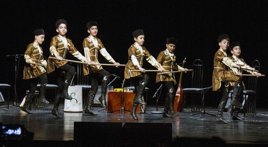کنسرت رقص آذربایجانی و موسیقی قزاقی در فرهنگسرای نیاوران – 30 آذر 96